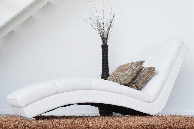 ozdobne poduszki do salonu